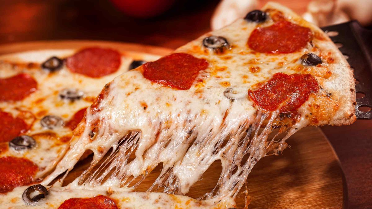 Can You Bring Pizza as Carry On Baggage on a Plane